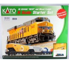 """Kato #106-0021 GE ES44AC 'Gevo"""" & Mixed Freight Set- CSX"""