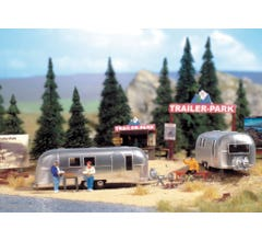 Walthers #949-2902 Camp Site with Two Trailers - Kit