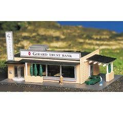 Bachmann #45804 Drive-In Bank w/Figures (Built Up)