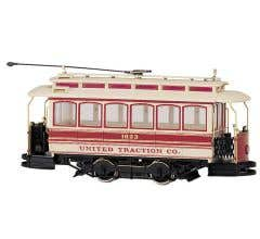 Bachmann #25128 Closed Street Car United Traction