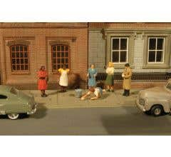Bachmann #33117 HO Sidewalk People 7 Pcs/Pk