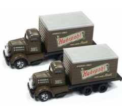 Classic Metal Works #50374 WC22 Reefer Truck Hudepohl Beer